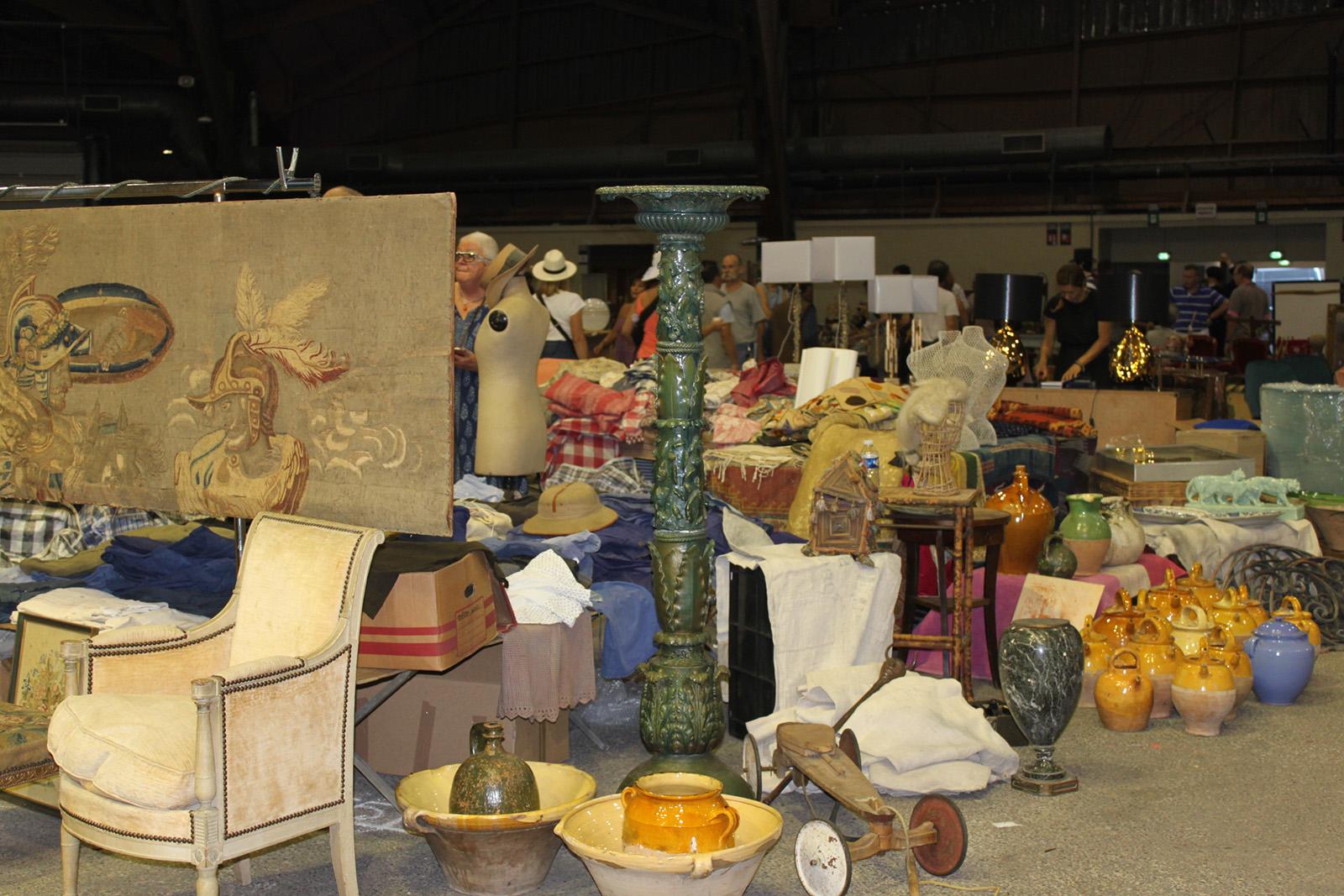 avignon antiquites deballage marchand